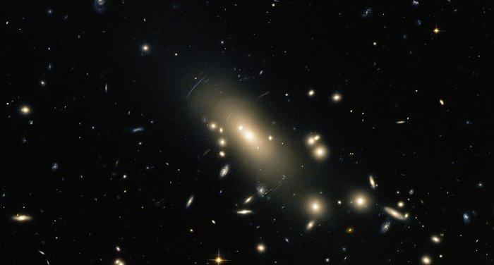 Hubble reveals a super-rich galactic neighbourhood