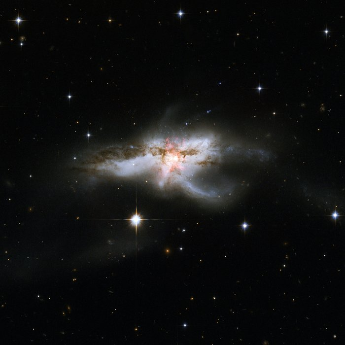 Hubble revisits tangled NGC 6240