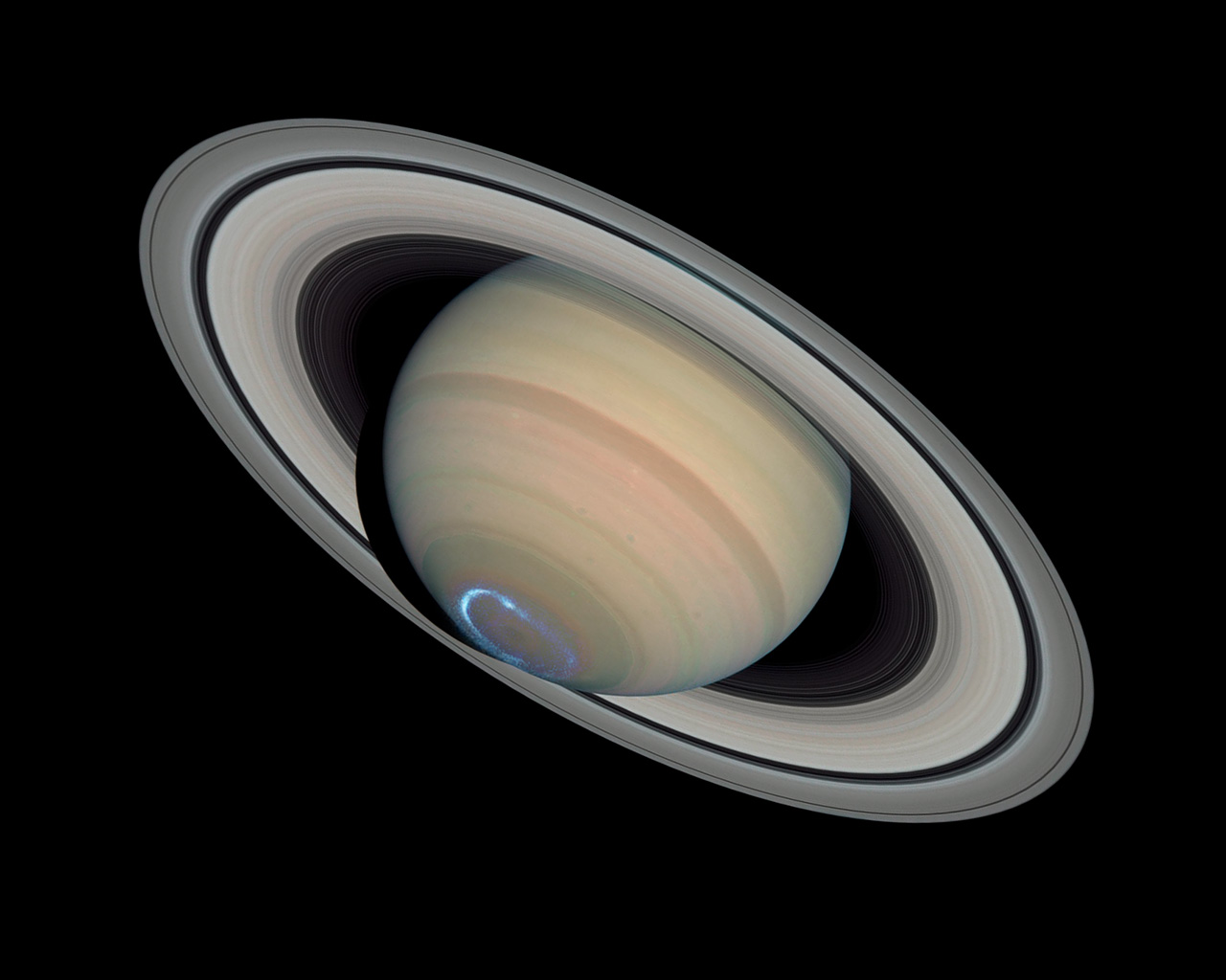 Saturn S Dynamic Aurorae 1 Jan 24 2004 Esa Hubble