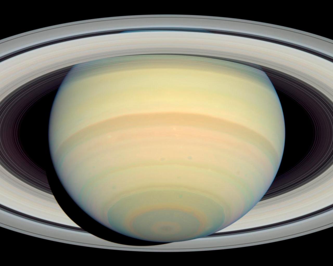 Hubble's Latest Saturn Picture Precedes Cassini's Arrival ...