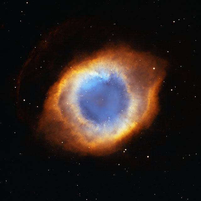 Iridescent glory of nearby planetary nebula Showcased on Astronomy Day