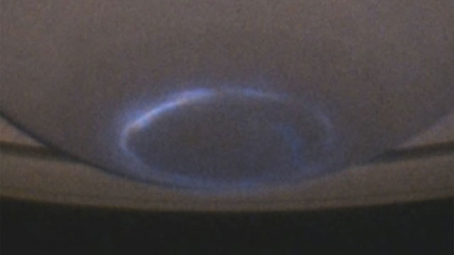 Saturn's aurora dancing