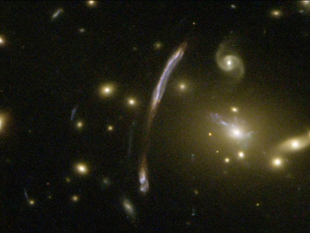 Zooming on galaxy cluster Abell 2667
