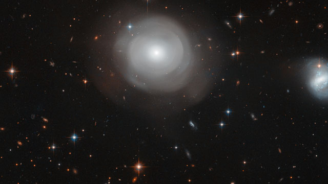 Panning across ESO 381-12