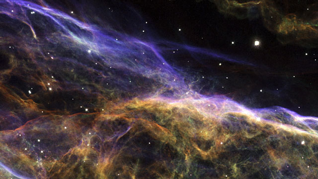 Moving filaments of the Veil Nebula