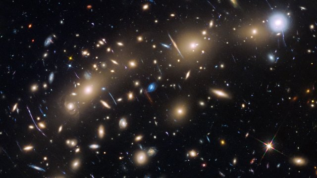 Hubble's biggest discoveries, part 1 (German)
