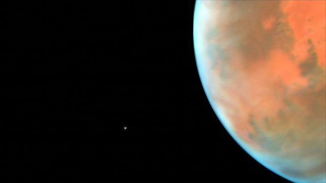 Time-lapse video of Phobos in orbit around Mars (non-annotated and smoothed)